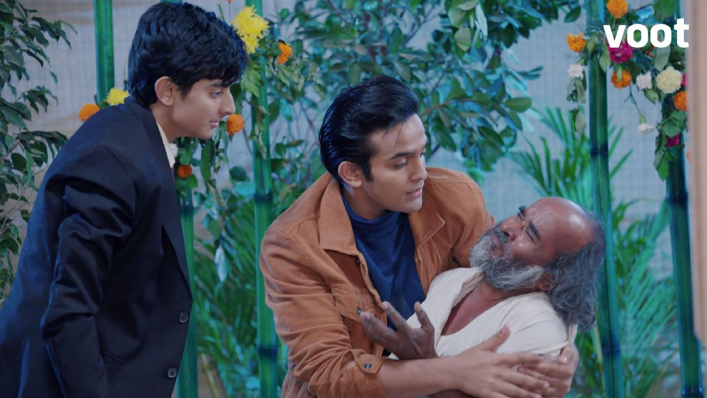 Anirudh protects an old man!